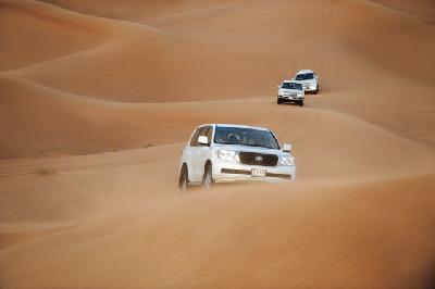 Per Allrad durch die Wüste