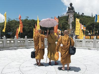 Großer Buddha am Po Lin Mönchskloster