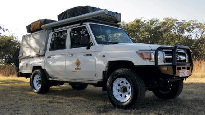 4x4 Toyota Landcruiser mit 2 Dachzelten (CruC4)