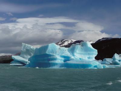 treibende Eisberge im Lago Argentino