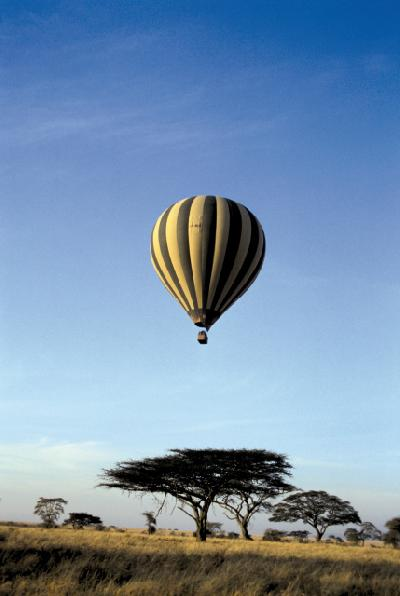 Ballonsafari über der Serengeti